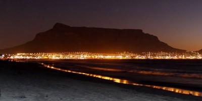 Kota di Dunia dengan Pemandangan Indah di Malam Hari