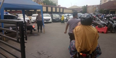 Pengunjung di Mapolres Depok Tak Diukur Suhu Tubuh