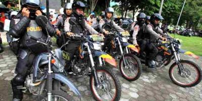 Warga yang Masih Nekat Nongkrong Akan Dibubarkan Paksa Polisi