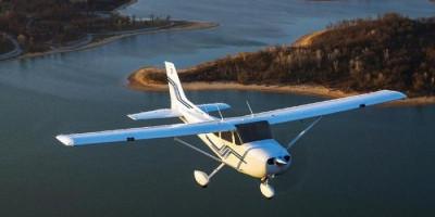 Pesawat Cessna dengan Pilot Wanita Amerika Jatuh di Danau Sentani