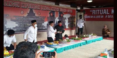 Warga Kota Blitar Kendurian Peringati Puncak Haul Bung Karno