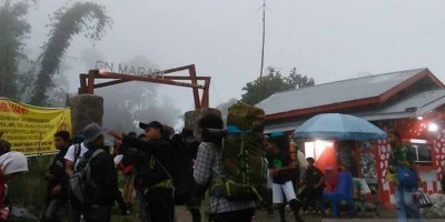 Lima Pendaki yang Tersesat di Gunung Marapi Ditemukan Selamat