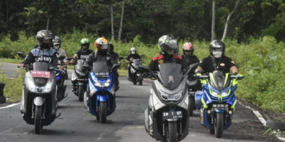 Bupati Nelson Touring Bersama Club Motor