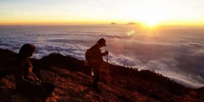 Pendakian Gunung Lawu Kembali Dibuka, Kuota Pendaki Terbatas
