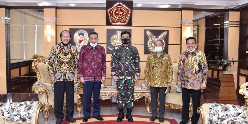 Bersama Purnawirawan Militer