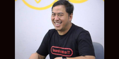 Panji Tunda Stand Up Comedy World Tour di Tiga Kota