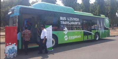 Yuk Cobain Bus Listrik Transjakarta