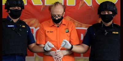 Liburan ke Jakarta, Mister dari Prancis Cabuli Ratusan Anak