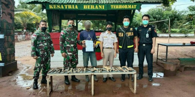 Lewat Jalur Tikus, Pelaku Penyelundupan Tanduk Rusa ke Indonesia Dibekuk Petugas