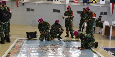 Marinir Laksanakan Tactical Floor Game