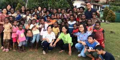 Kenangan Kolonel Edward Sitorus, Youtuber yang Harus Berpisah dengan Anak-anak Papua