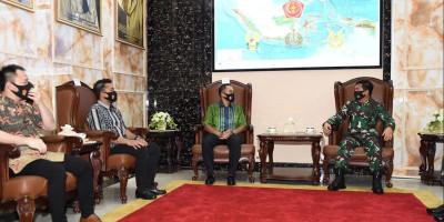 Panglima TNI Terima Kunjungan Ketum KOBI yang Baru