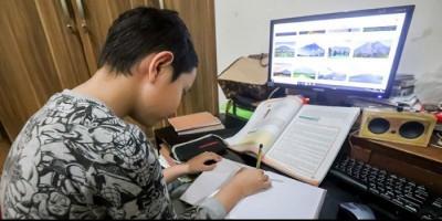 Denny Siregar: Sudahilah Pembelajaran di Rumah Ini Mas Nadiem