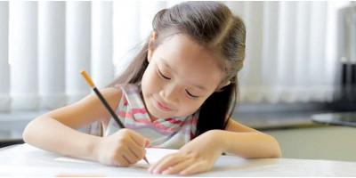 Tips Agar Anak Tak Bosan Belajar di Rumah