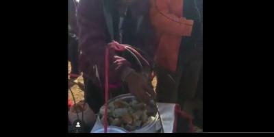 Membeli Bakso Tahu dari Pedagang di Puncak Gunung Cikuray