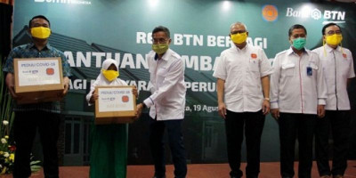 Peringati HUT RI, BTN dan REI Bagikan Sembako untuk Warga Terdampak Covid-19