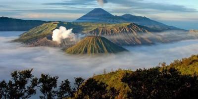 Wisata Gunung Bromo Kembali Dibuka, Pendakian Semeru Segera Menyusul