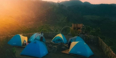 Menikmati Pesona Khas Pegunungan dan Bintang Gemintang di Bukit Jipang
