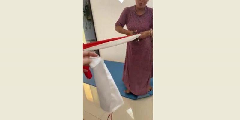 Ibu-ibu yang Gunting Bendera Merah Putih Sengaja Cari Penyakit