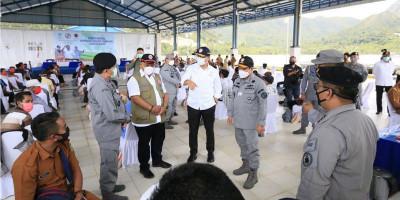 Bakamla Bareng Kemensos dan BNPB Salurkan Bansos ke Natuna