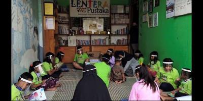 Pandemi Tak Surutkan Semangat Membaca di TBM Lentera Pustaka