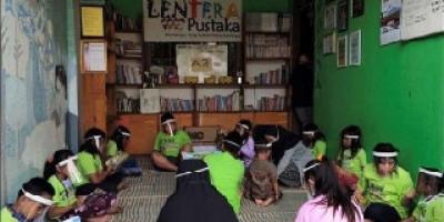 Taman Bacaan Masyarakat Pengganti Aktivitas Belajar di Sekolah