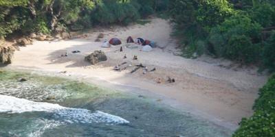 7 Pantai Terbaik di Jogja Buat Ngecamp