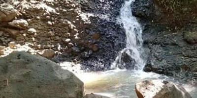 Mengunjungi Sumber Air Panas di Jembatan Cibuni