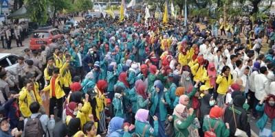 Setahun Jokowi-Ma'ruf, BEM SI Kembali Geruduk Istana Tolak Omnibus Law