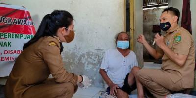 Sudah Zona Kuning, Wali Kota Singkawang Keliling Beri Bantuan untuk Warga
