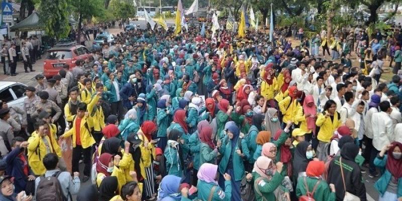 Tolak Judicial Review UU Ciptaker, BEM SI Kerahkan 5.000 Massa di Depan Istana