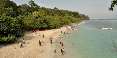 Awas, Wisatawan yang Tak Patuh di Pantai Pangandaran Akan Ditindak Tegas