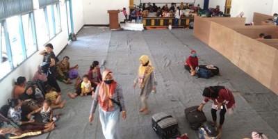 Gunung Merapi Siaga Warga 3 Desa Mengungsi, Ganjar Pranowo: Warga Sudah Terbiasa