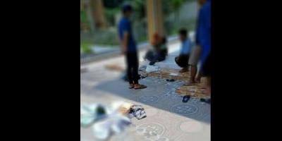 Ayah dan Ibu Bawa Anak Kecil Terciduk Curi Kotak Amal Masjid, Netizen Nggak Tega
