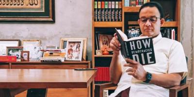 Anies Baswedan Baca Buku 'How Democracies Die', Gerindra: Biasa Saja