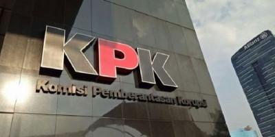Korupsi Dana Bansos, KPK Angkut Dokumen dari Kantor Kemensos