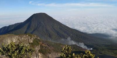 Pendakian Gunung Gede Pangrango Dibuka Kembali Besok, Hati-hati Cuaca Ekstrem