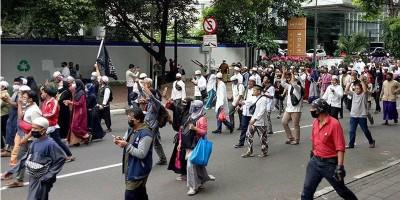 Polisi Disabet Samurai Saat Bubarkan Aksi 1812