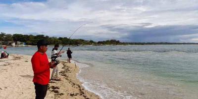 Mancing di Pantai Cibuaya, Wisata Tanpa Berkerumun