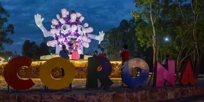 Tugu Corona Jadi Objek Wisata Baru di Pekanbaru