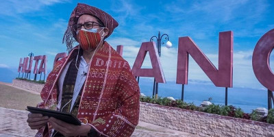 Sandiaga Uno Dorong Pariwisata Danau Toba Berbasis Budaya dan Alam