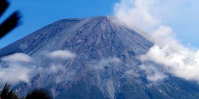 Penutupan Pendakian Gunung Semeru Diperpanjang Hingga 31 Maret 2021, Ini Alasannya