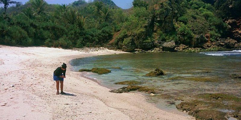 Pantai Krokoh Yogyakarta, Surga Tersembunyi yang Menawarkan Ketenangan