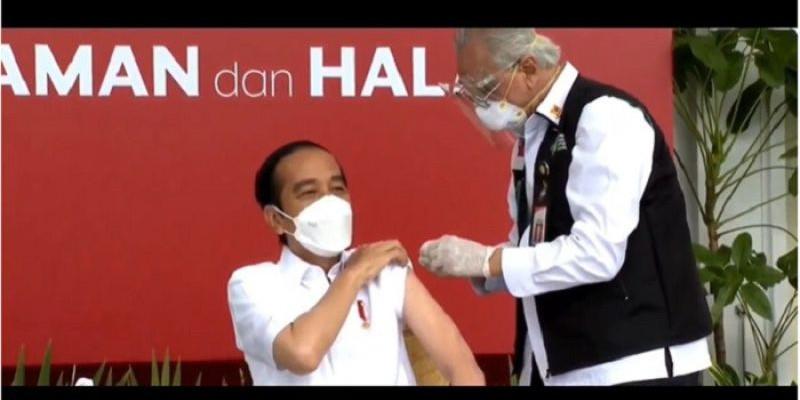 Jokowi Disuntik Vaksin Covid-19, Dokter Kepresidenan Gemetar