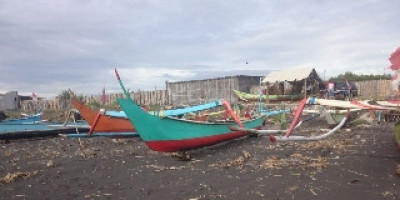 Hilangnya Sempadan Pantai Tanjungsari