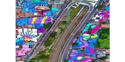 Pamer Atap Rumah Warna Warni, Warganet Sayangkan Anies Buang-buang Anggaran