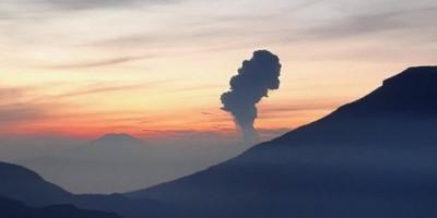 Cuaca Cerah, Gunung Merapi Muntahkan Awan Panas Selama 209 Detik