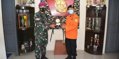 Danyonmarhanlan II Terima Kunjungan Kerja Kepala Basarnas Kota Padang