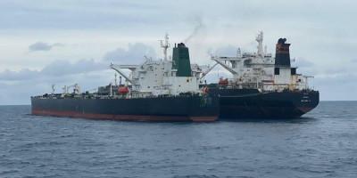 Sengaja Tutup Nama Kapal dengan Kain, Kapal Tanker Iran dan Panama Tepergok Lakukan Ini