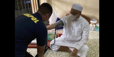 Pengacara Sebut Habib Rizieq Sakit, Polisi Bilang Baik-baik Saja